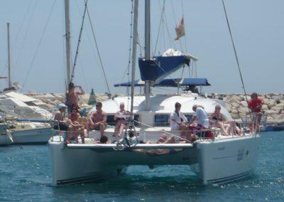 P1020056 Paseo en barco con amigos y familiares, catamarán en Málaga
