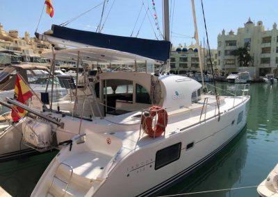 Imagen Catamaran-barco en benalmadena puerto marina