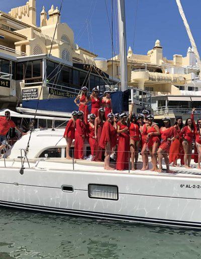 Despedida de soltera en catamaran-barco, Benalmádena, Málaga-min