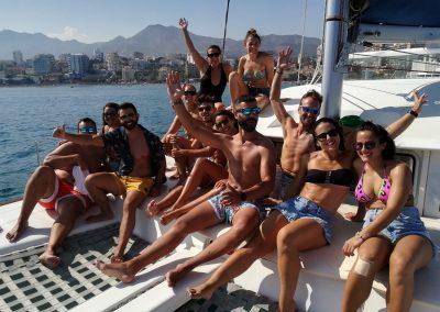 Fiesta privada con amigos en barco en Benalmádena-Málaga-min